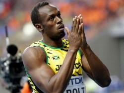 Bolt Cramp Blamed Waiting Medal Ceremonies