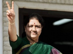Sasikala Uses Barricaded Corridor Jail Premises As Private Space Claims D Roopa