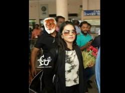 Sunny Leone At Kochi Social Media Celebrate With Trolls