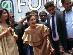 Sunny Leone At Kochi Police Lathi Charge In Front Of The Venue
