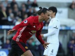 Manchester United In Talks To Resign Striker Zlatan Ibrahimovic