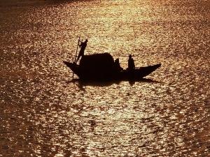 ഇറാഖിലെ ടൈഗ്രിസ്  നദിയിൽ ഫെറി മറിഞ്ഞ് 94 മരണം; അപകടം വിനോദസഞ്ചാര ദ്വീപിലേക്കുളള യാത്രക്കിടെ
