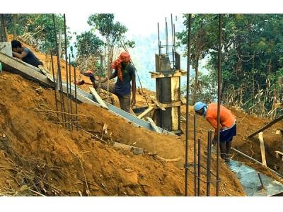 നിലമ്പൂരില് വനഭൂമിയില്  വീട് നിര്മ്മാണം, പണിയുന്നത് 37 വീടുകൾ